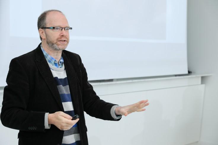 Diego Golombek, biólogo especialista en cronobiología e investigador en CONICET.jpg