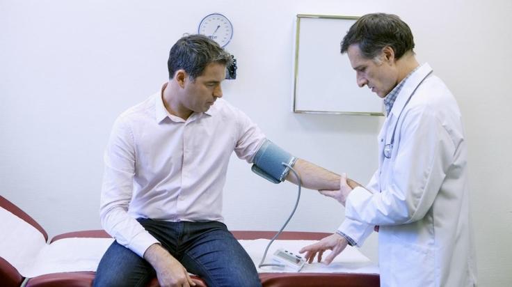 hipertensión del guardapolvo blanco (3).jpg